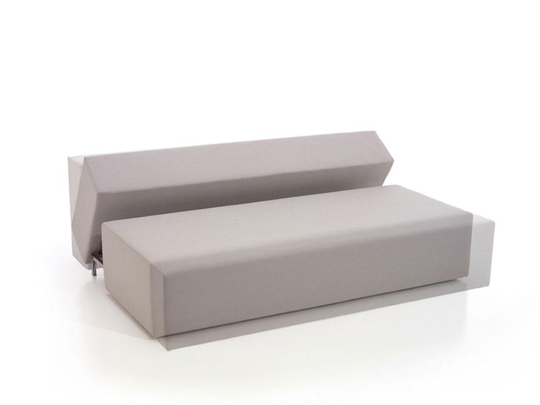 Sofá cama TURN transformándose
