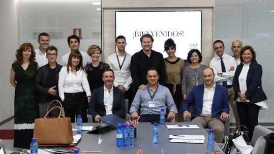 Miembros del jurado del Concurso Internacional de Diseño Contract