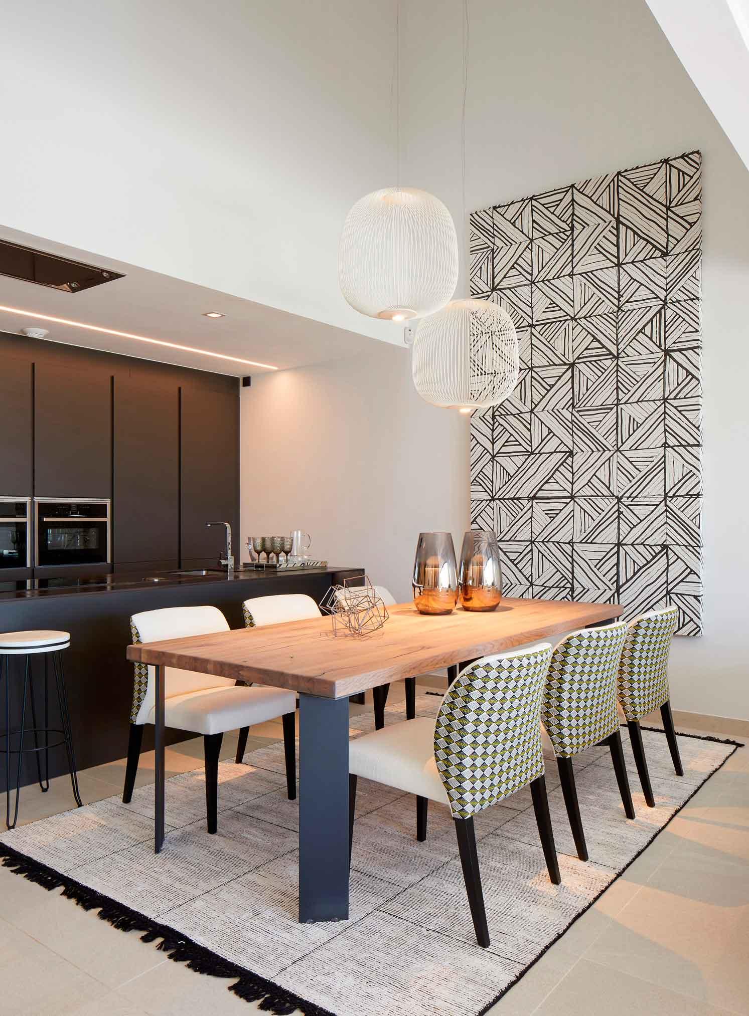 Mesa y Sillas de calidad en un diseño de interior excepcional