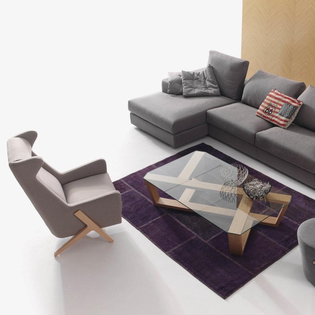 BOSS ambiente butaca y sofa con mesa de madera