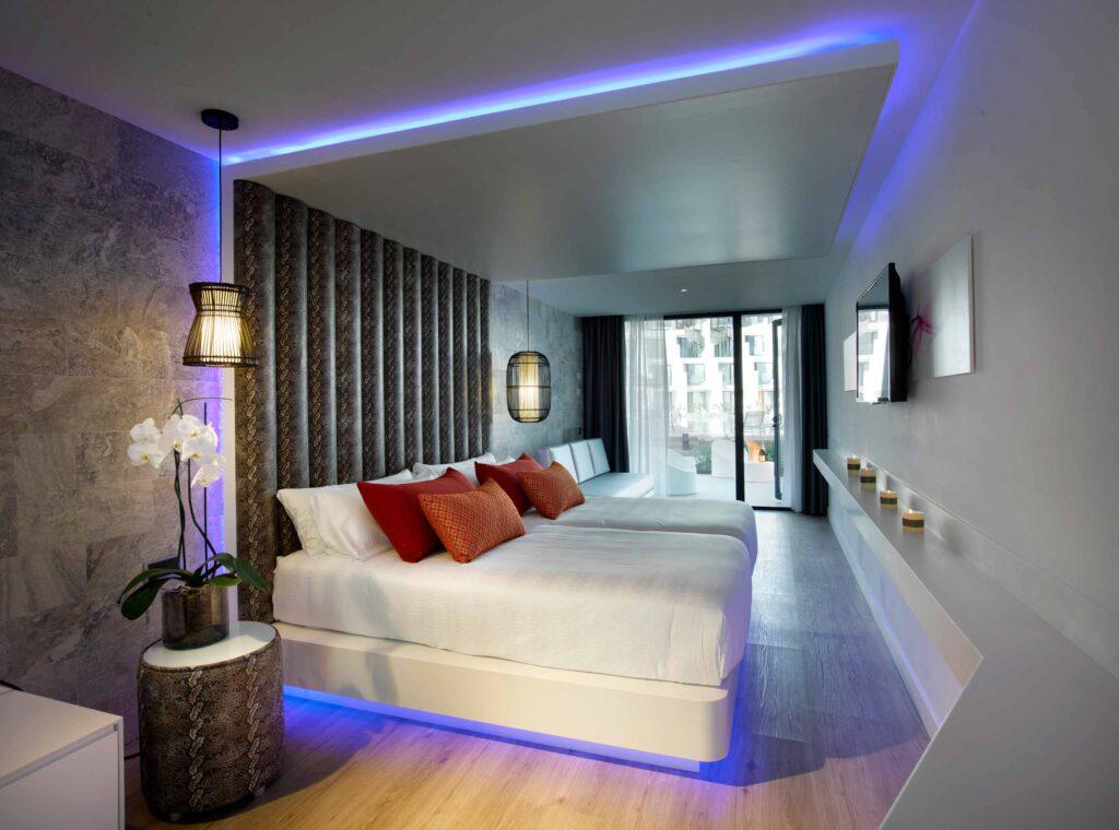 Mobiliario habitacion hotel Hard Rock Ibiza