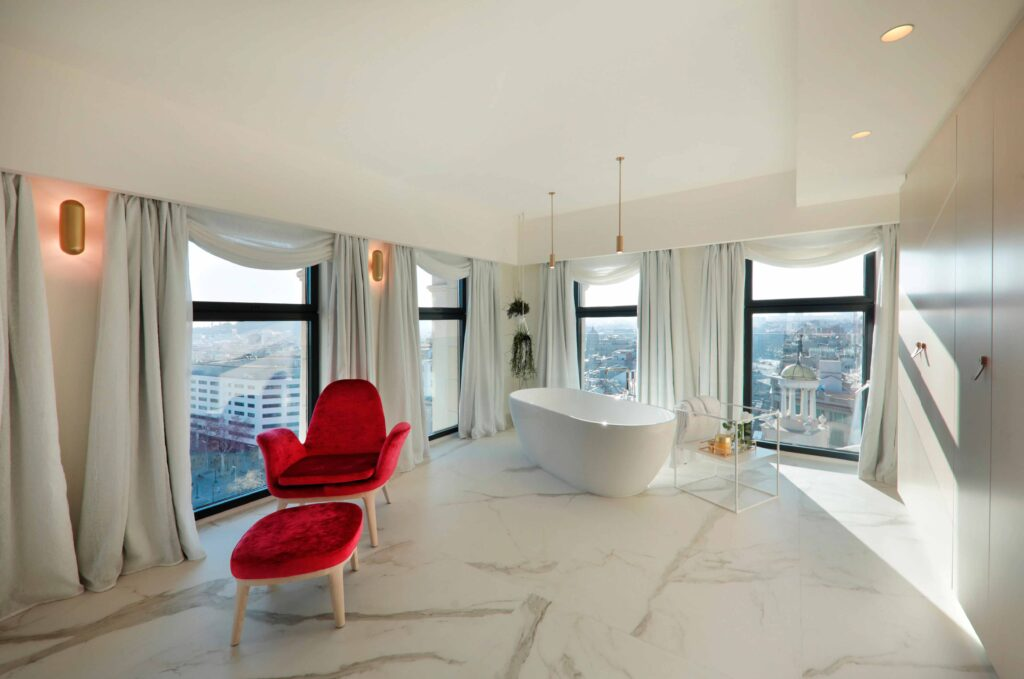 even-armchair-hotel-iberostar-paseo-gracia-barcelona-furniture-contract-belta-frajumar
